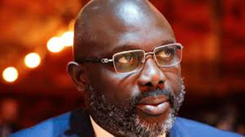 Liberia: bilan de la présidence de l'ancien international de football George Weah à mi-parcours