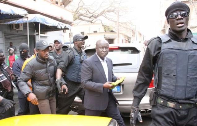 Policiers et gendarmes se «disputent» la garde de Idy