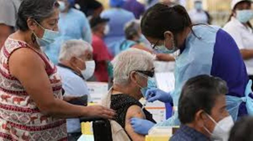 Coronavirus: le Chili espère avoir vacciné 15 millions de personnes en juillet prochain