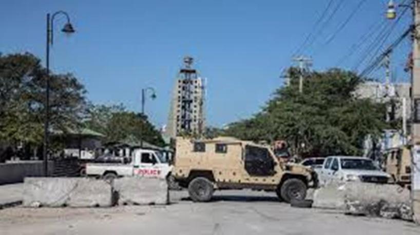 """En Haïti, la libération d'un juge accusé de """"tentative de coup d'État"""" se fait attendre"""