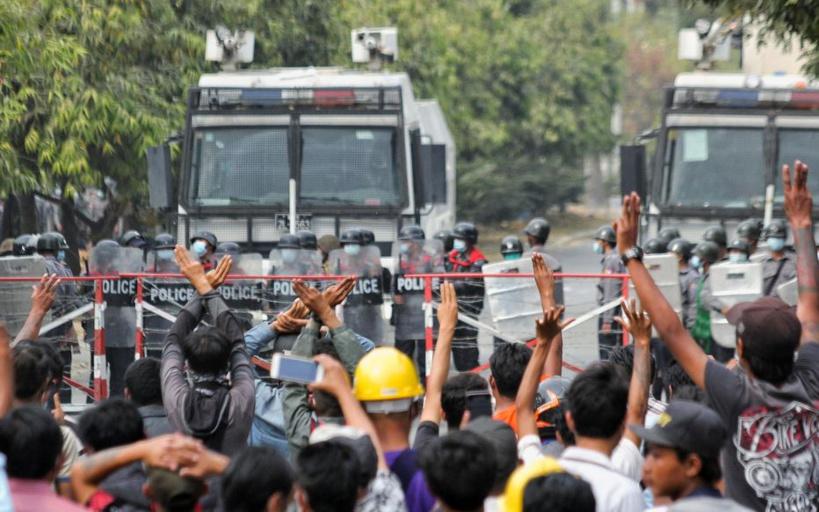 Birmanie: deux manifestants tués par des tirs de la police