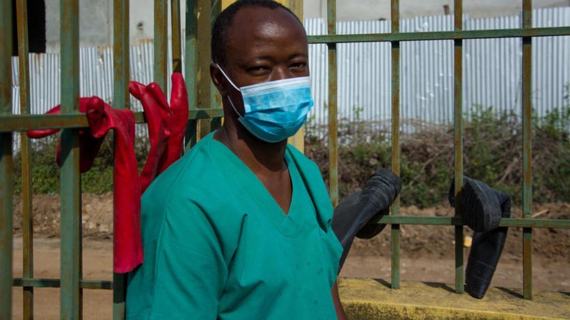 Guinée: guéri d'Ebola, le Dr Papus s'engage en première ligne contre à la maladie