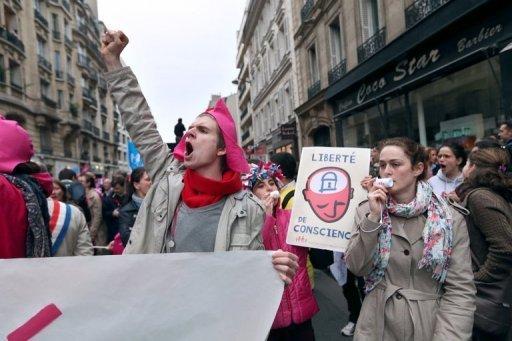 Légers incidents en marge de la manifestation anti-mariage homosexuel