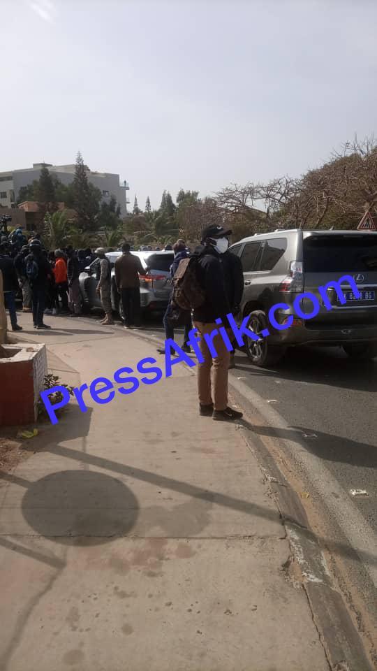 Direct-Cortège d'Ousmane Sonko : le GIGN entre en action, les gendarmes gazent encore la foule