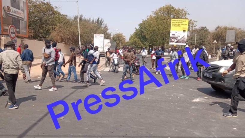 Echauffourées au Centenaire et à la Médina: une milice armée de gourdins et de coupe-coupe venue en renfort aux forces de l'ordre