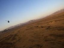 Un hélicoptère survole l'Afghanistan le 5 février 2013.
