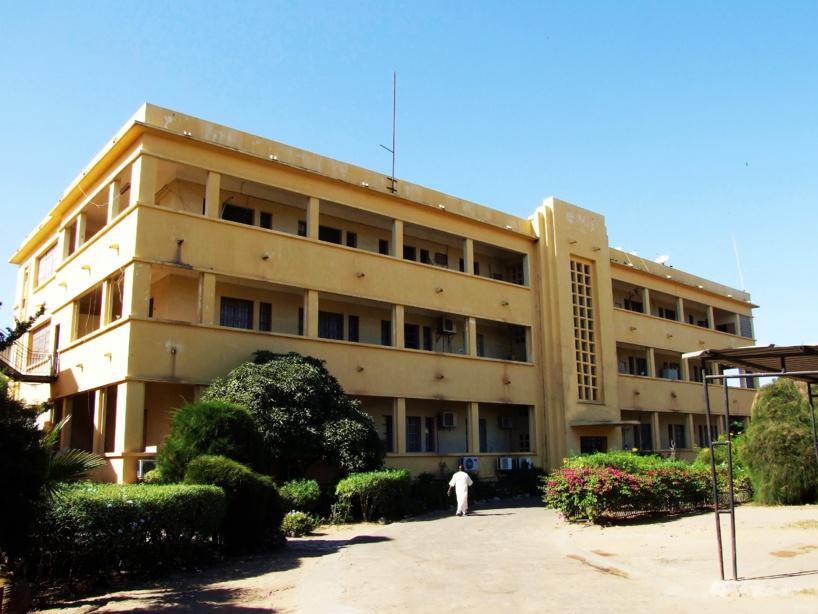 Après Rfm, les locaux du journal Le Soleil et Dakaractu attaqués par des individus non-identifiés