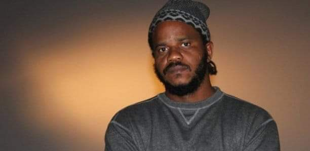 Le rappeur Thiat est en garde à vue, annonce Me Koureyssi Ba