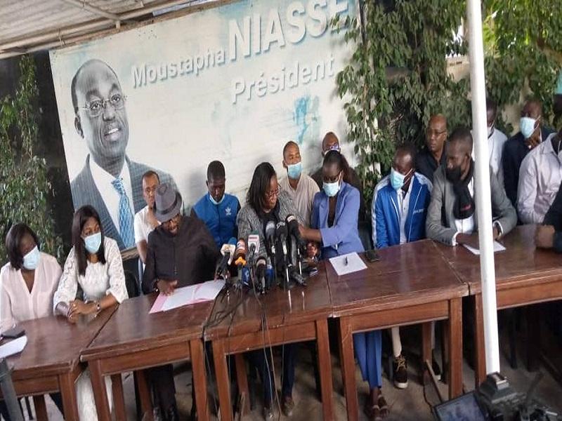 Manifestations : la jeunesse républicaine dénonce le comportement de l'opposition et invite Macky Sall poursuivre son travail