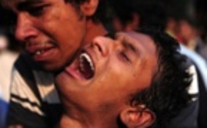 Effondrement d'un immeuble au Bangladesh: au moins 230 morts, deuil national