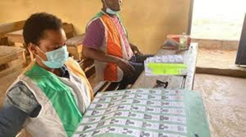 Législatives ivoiriennes: l'attente des résultats dans trois circonscriptions