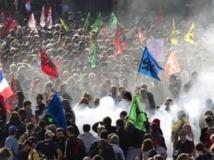 Défilé du 1er-Mai 2012 à Paris. REUTERS/Charles Platiau