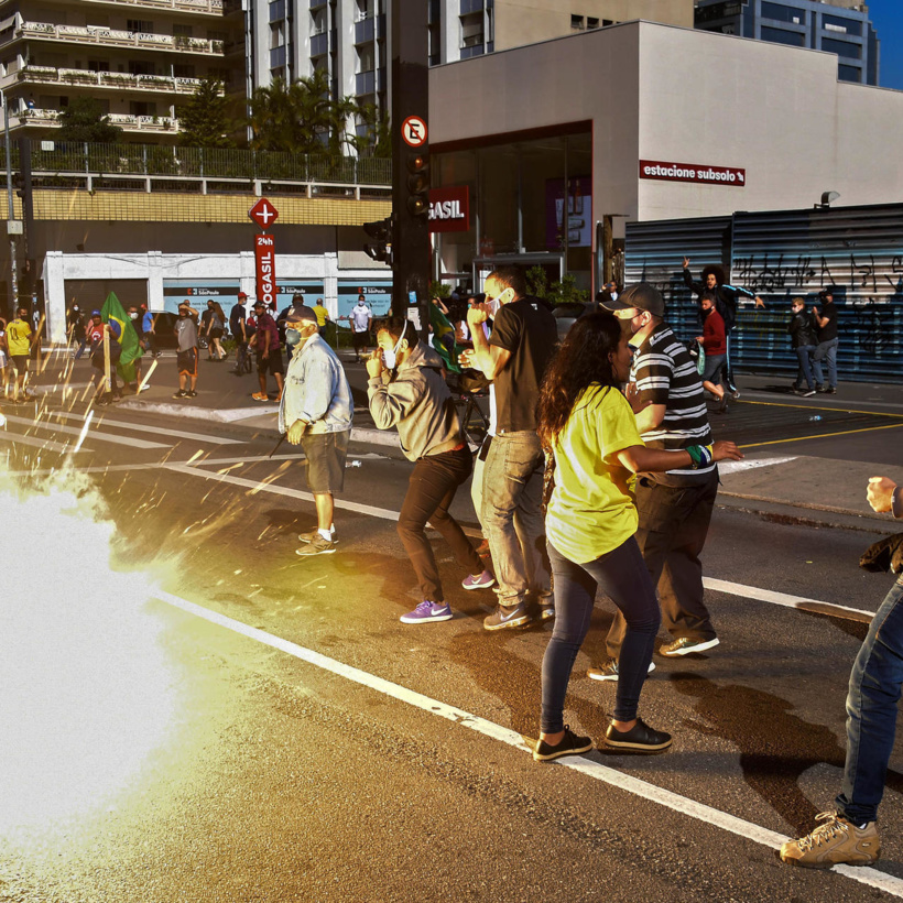 Brésil: São Paulo impose un couvre-feu et suspend le foot pour contenir le Covid-19
