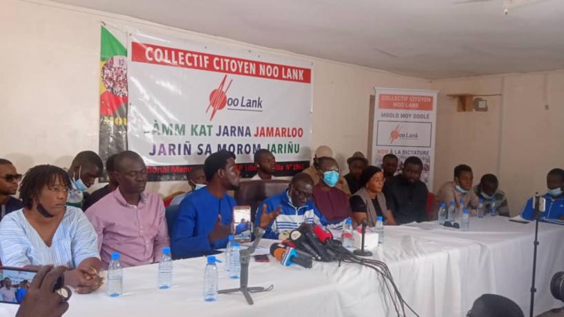 """Visite chez """"Noo Lank"""" : Ousmane Sonko appelle les mouvements citoyens à faire bloc pour """"restaurer la démocratie"""""""
