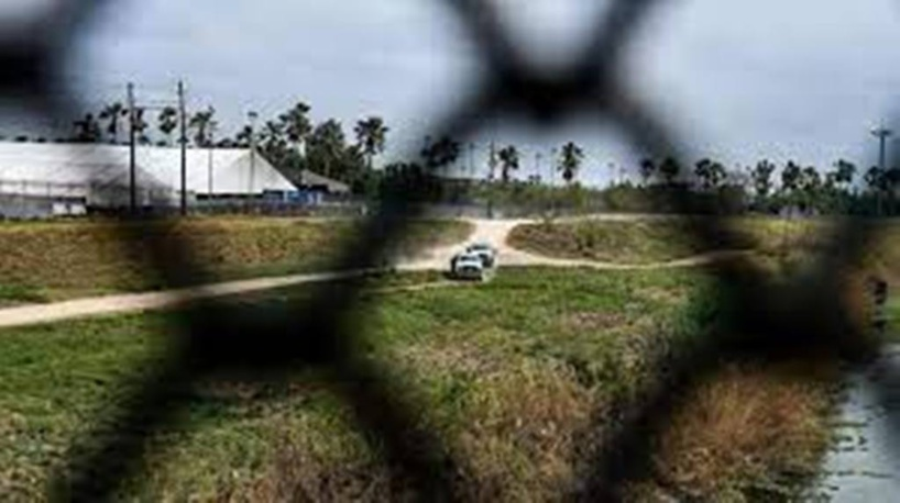 États-Unis: la visite de sénateurs républicains à la frontière avec le Mexique ravive des tensions