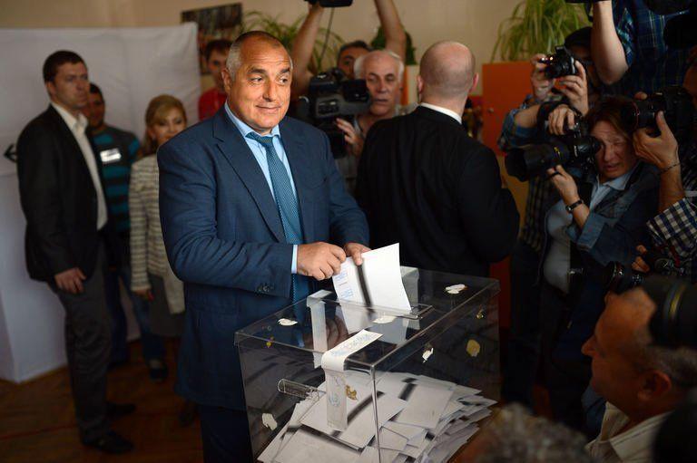Législatives en Bulgarie : le parti conservateur GERB en tête, il obtiendrait 97 sièges de députés sur 240 (sondages sortie des urnes)