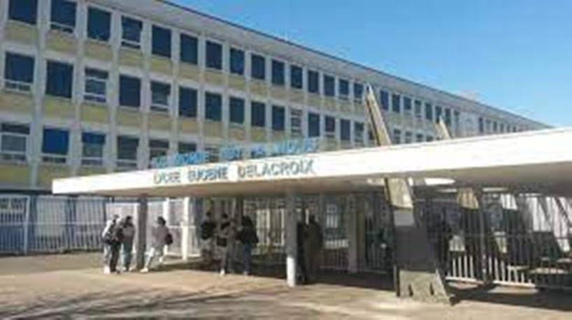 """Covid-19 : en Seine-Saint-Denis, """"les écoles restent ouvertes à tout prix, même sans professeurs"""""""