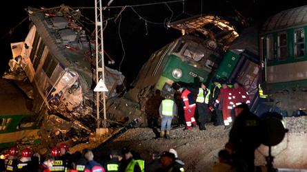 Hong Kong : une soixantaine de blessés dans le déraillement d'un tram-train selon la police locale