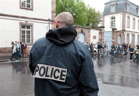 France: mise en place d'un dispositif de sécurité renforcé autour des lycées de Strasbourg suite à des menaces