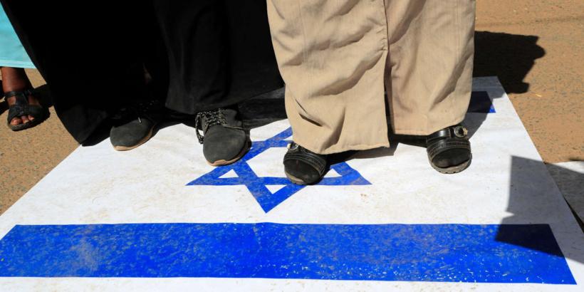 Le Soudan fait un pas de plus vers la fin du boycott d'Israël