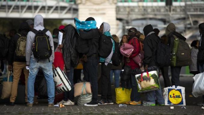 Espagne: des migrants sénégalais logés dans des hôtels en attente de rapatriement renient leur nationalité pour rester