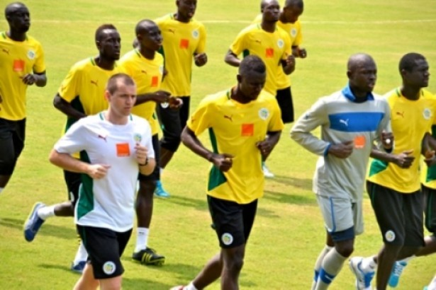 Entraîneur, Alain Giresse : « Les Lions sont plus engagés lors des entraînements que lors des matchs »