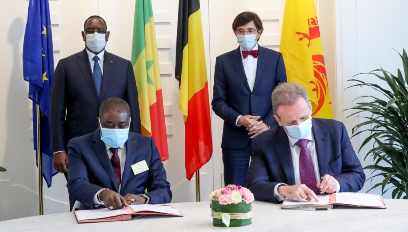 En Belgique, le Sénégal signe des accords pour la production de vaccins anti-Covid19 au pays