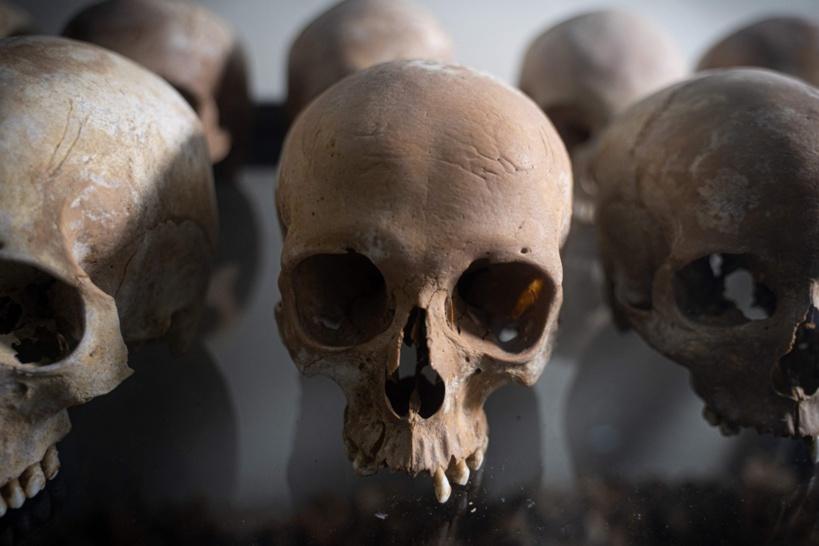 Génocide des Tutsis: un prêtre franco-rwandais mis en examen et incarcéré en France