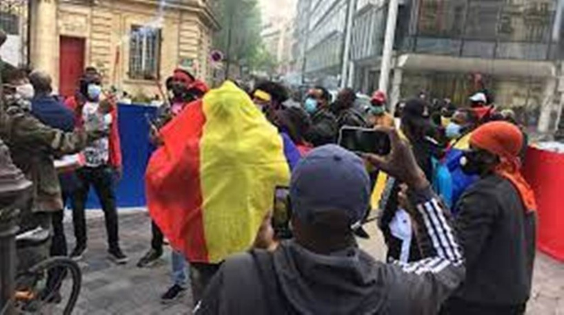 Mort d'Idriss Déby: les Tchadiens de la diaspora espèrent un avènement démocratique