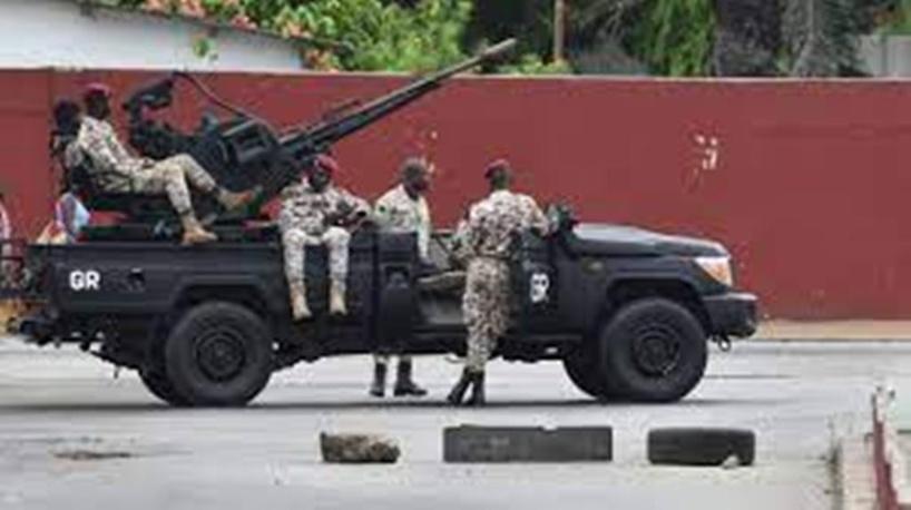 Côte d'Ivoire : une attaque vise un camp militaire à Abidjan, trois assaillants tués