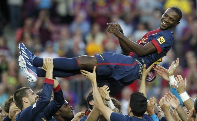 Le Barça salue Abidal