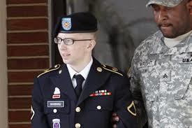 """Ouverture du procès de Bradley Manning, la """"taupe"""" présumée de WikiLeaks"""