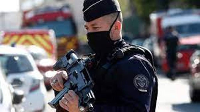 Assaillant de Rambouillet: entre radicalisation et troubles de la personnalité
