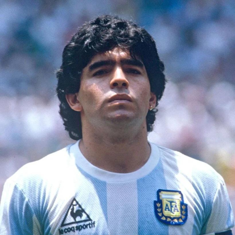 Mort de Maradona: un rapport révèle comment il a été abandonné à l'agonie