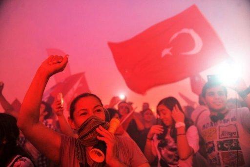 Turquie: les manifestants pas décidés à céder aux menaces d'Erdogan