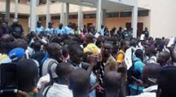 Côte d'Ivoire : les étudiants signent une charte de la non-violence