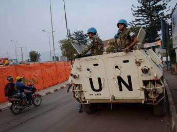 Les chars de la Monusco patrouillent dans Goma. AFP PHOTO/PHIL MOORE