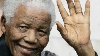 "Nelson Mandela ""ressuscité"" avant son hospitalisation, selon CBS"