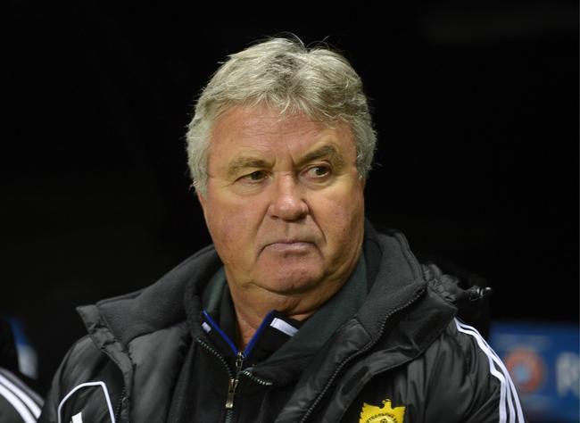 Hiddink prolonge à Anzhi et n'ira pas au PSG
