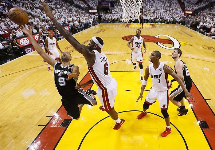 Basket: San Antonio corrige Miami, Parker touché