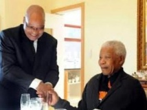 """Afrique du Sud: Mandela """"réagit mieux"""" au traitement, selon Zuma"""