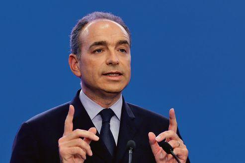 """France: Copé dénonce un """"anti-sarkozysme presque infantile"""" chez Hollande"""