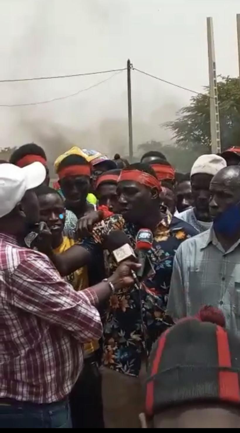Bari-Diam (Saint Louis): Les populations barrent la route nationale RN2, pour exiger l'installation de ralentisseurs