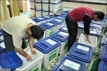 Iran: Les Iraniens appelés aux urnes pour désigner le successeur d'Ahmadinejad