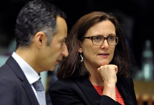UE/ Etats-Unis: Surveillance américaine des communications: l'UE obtient des informations