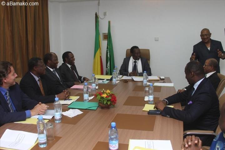 Mali: nouveau projet d'accord Bamako/rebelles touareg sur la table