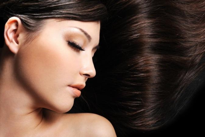 Comment utiliser une huile pour les cheveux