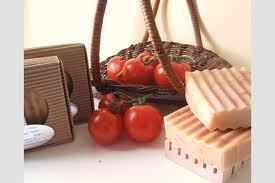 Les prix du savon, du ciment et de la tomate revus à la baisse très prochainement