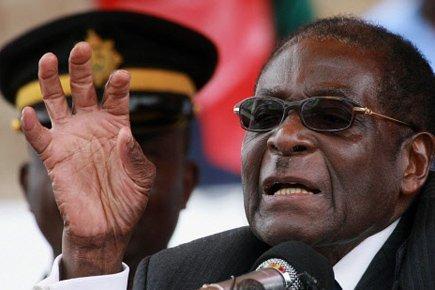 Au Zimbabwe, Robert Mugabe propose un report des élections au 14 août