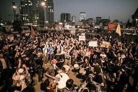 Brésil: les autorités pressées d'agir après des manifs monstres